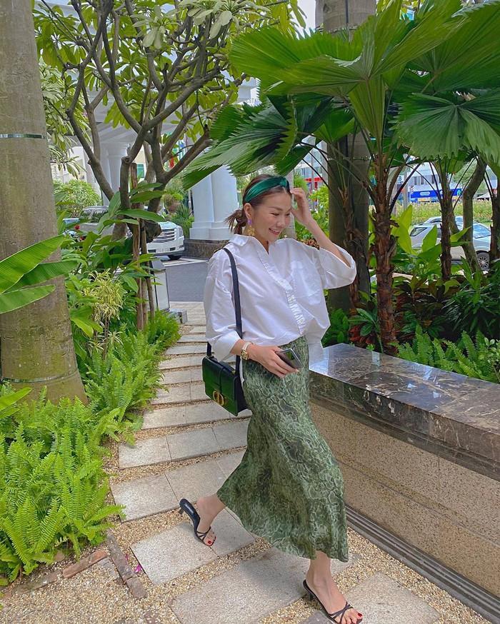 Các mỹ nhân Việt có loạt cách diện chân váy siêu xinh, bạn áp dụng thì sẽ đẹp mọi lúc mọi nơi - Ảnh 11.