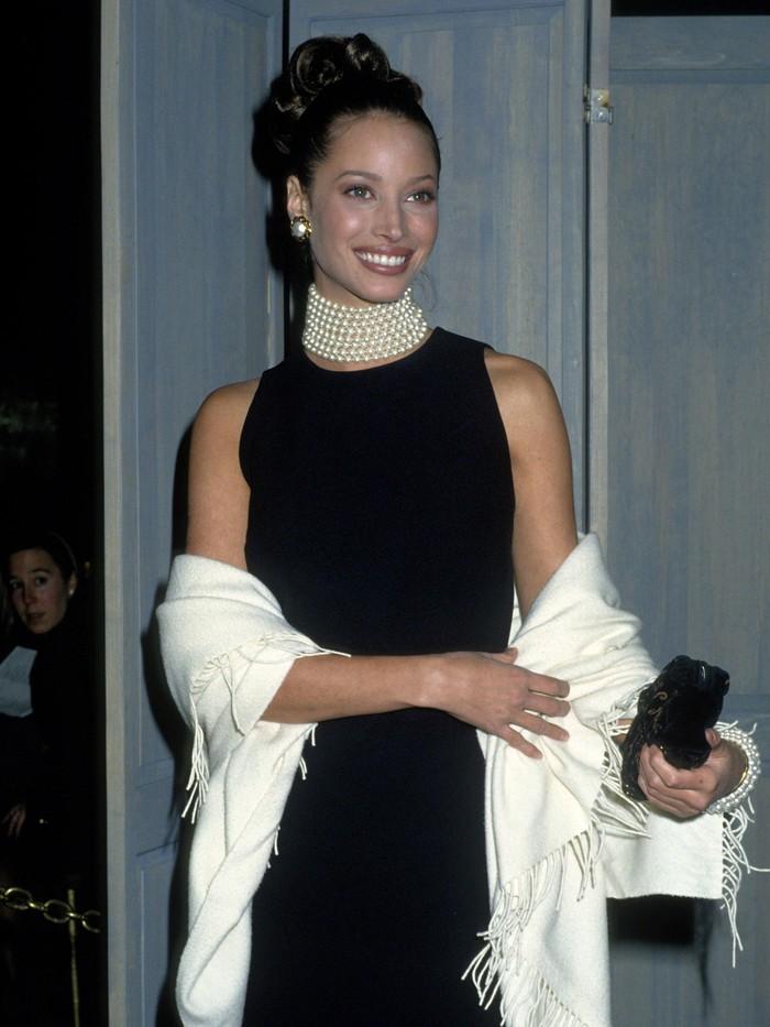 Vogue chọn ra 25 mỹ nhân đẹp nhất mọi thời đại tại thảm đỏ Met Gala  - Ảnh 4.