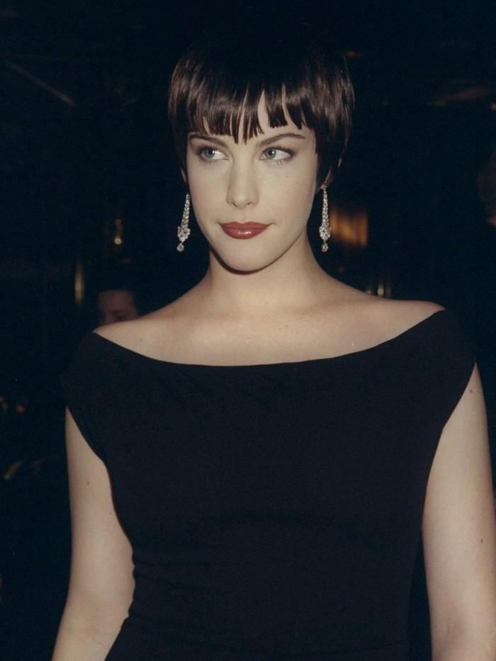 Vogue chọn ra 25 mỹ nhân đẹp nhất mọi thời đại tại thảm đỏ Met Gala  - Ảnh 9.