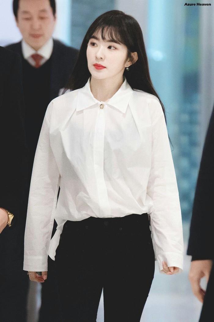 Mặc áo blouse đẹp như Red Velvet: 13 cách mix đơn giản nhưng trẻ trung, chuẩn sang xịn mịn - Ảnh 13.
