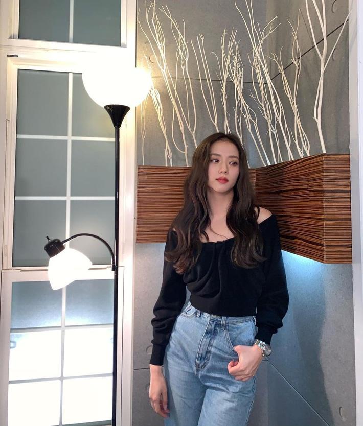 Naeun rất xinh nhưng Jisoo mới đáng trầm trồ: Hoa hậu Hàn Quốc ngày càng sang và sexy quá đỗi - Ảnh 2.