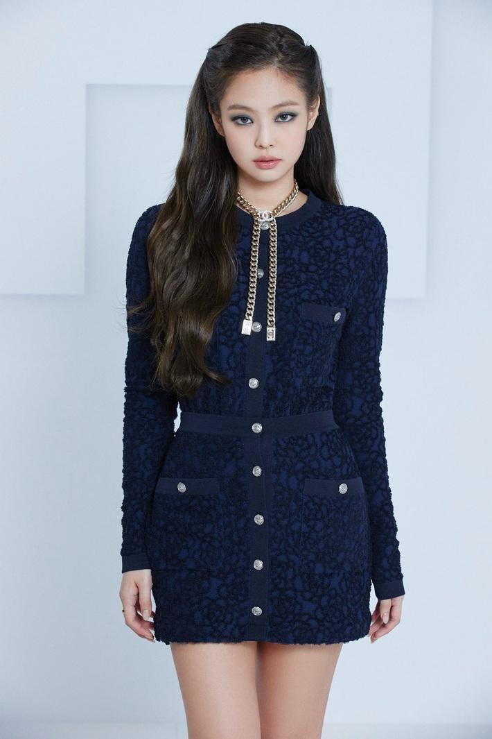 Jennie và G-Dragon lần đầu dự show Chanel cùng nhau: Mỹ nhân BLACKPINK có chút nhạt, ông hoàng Kpop vẫn chất như ngày nào - Ảnh 4.