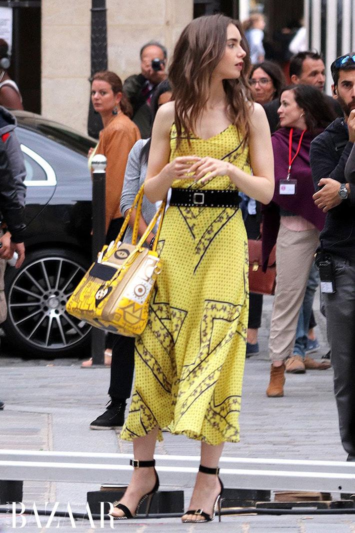 Emily Ở Paris: Phong cách gái Mỹ trên đất Pháp nhận mưa lời khen, người khó tính thì kêu nửa nạc nửa mỡ nhưng liệu có thoả đáng? - Ảnh 7.