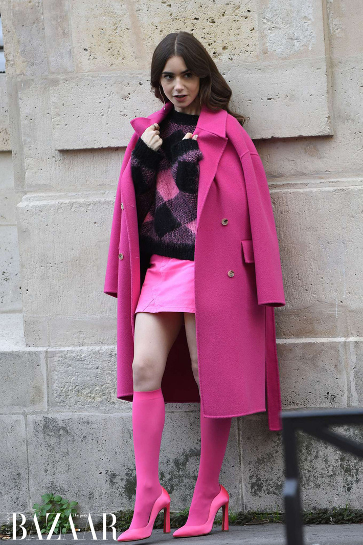 Emily Ở Paris: Phong cách gái Mỹ trên đất Pháp nhận mưa lời khen, người khó tính thì kêu nửa nạc nửa mỡ nhưng liệu có thoả đáng? - Ảnh 3.