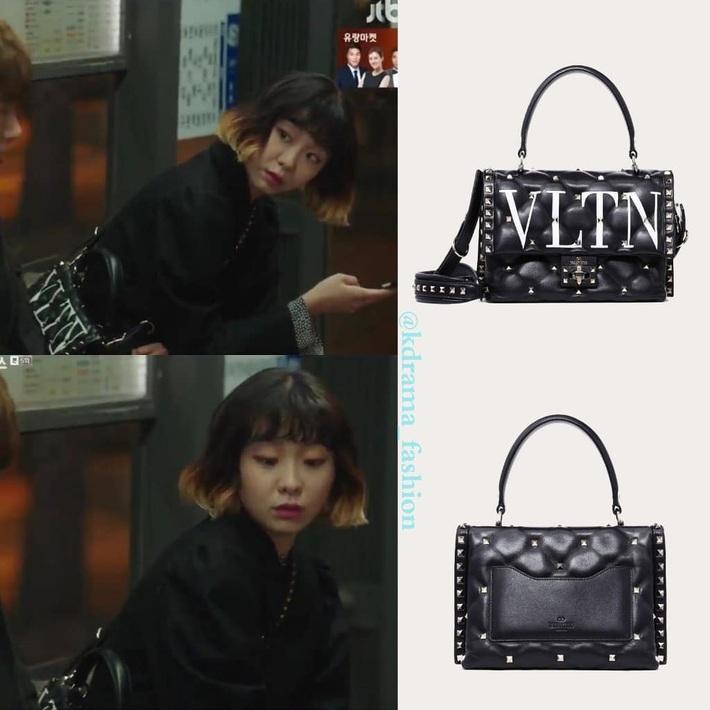 Tính tình đã hay ho, điên nữ Jo Yi Seo của Tầng Lớp Itaewon lại còn ăn mặc chất chơi, dát toàn hàng hiệu xịn sò từ đầu đến chân - Ảnh 14.