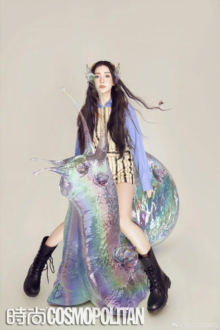 Đẹp như hoa hậu nhưng ăn vận quá an toàn, Ji Soo thất thế trước Angela Baby với màn biến hình xinh như tiên tử - Ảnh 4.