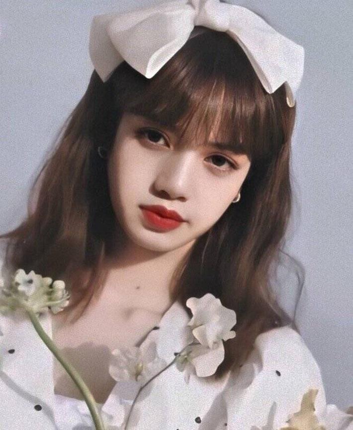 """Băng đô, chun buộc tóc nơ to """"lên ngôi"""" xuân này: Sao Hàn ai cũng diện, đáng nể nhất Irene vì """"hack tuổi"""" liên hoàn - Ảnh 3."""