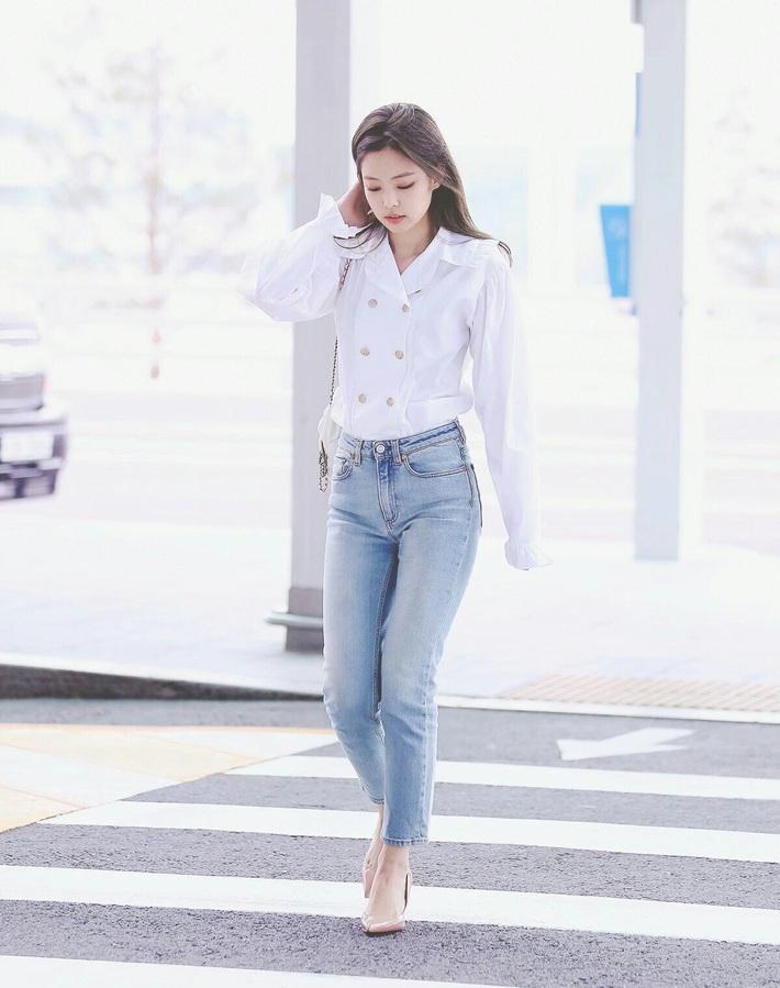 Chiếc quần jeans yêu thích của Jennie đây rồi: Kiểu quần lai cực kỳ nịnh dáng mà bạn sẽ muốn múc ngay 1 chiếc tương tự - Ảnh 5.