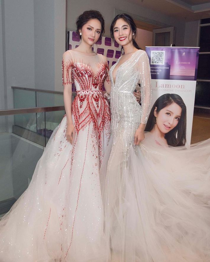 Hương Giang chung khung hình với sao Hàn - Thái: Váy áo, makeup nổi bật hơn, nhưng vẫn có một lần thua thiệt - Ảnh 9.