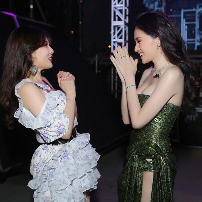 Hương Giang chung khung hình với sao Hàn - Thái: Váy áo, makeup nổi bật hơn, nhưng vẫn có một lần thua thiệt - Ảnh 5.