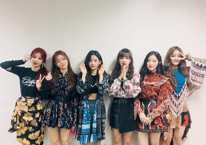 Điểm danh 17 outfit biểu diễn của hội idol bị netizen Hàn ghét cay ghét đắng, đến Black Pink cũng dính chưởng - Ảnh 2.