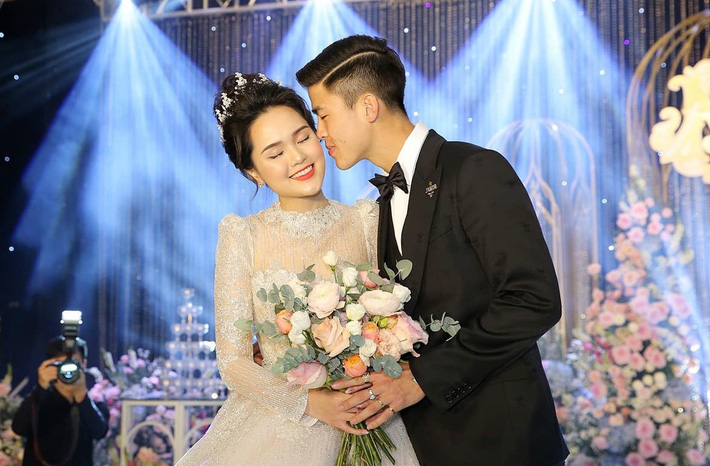 Chuyện hàng hiệu nhà Duy Mạnh - Quỳnh Anh: Được chồng tặng hàng hiệu đã nhiều, công chúa béo cũng đáp lễ nào có kém cạnh - Ảnh 1.