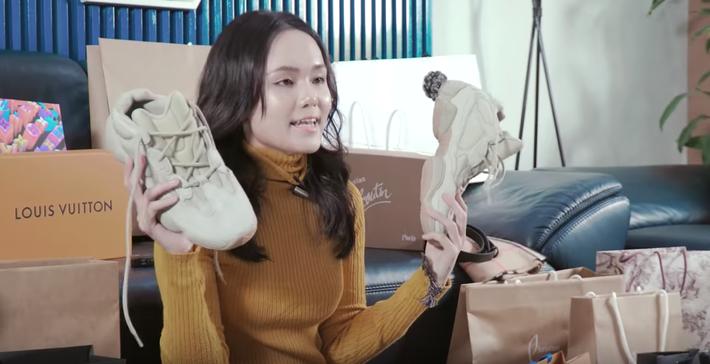 Chuyện hàng hiệu nhà Duy Mạnh - Quỳnh Anh: Được chồng tặng hàng hiệu đã nhiều, công chúa béo cũng đáp lễ nào có kém cạnh - Ảnh 3.