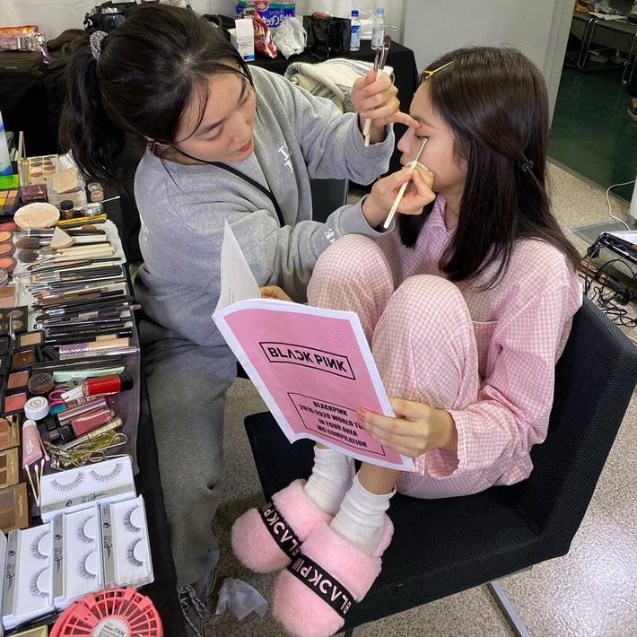Ngắm thời trang mặc nhà của sao Hàn, bạn sẽ muốn tậu vài ba bộ pyjama ngay vì thoải mái mà vẫn cute thế này cơ mà