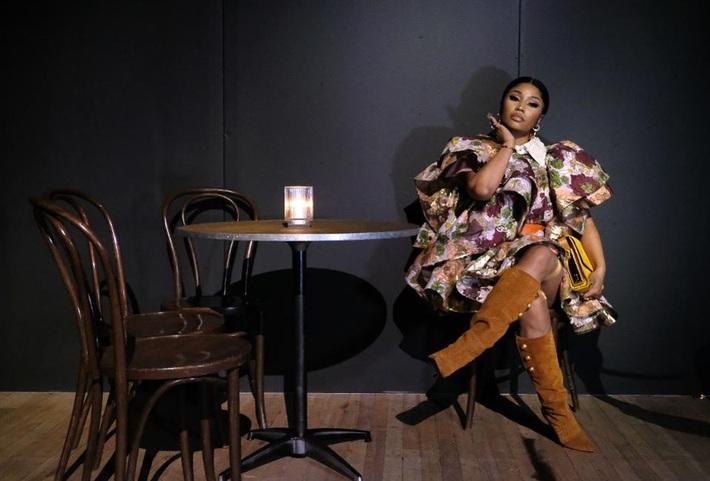 Dự đúng 1 show thời trang, Lisa vẫn là sao Á duy nhất được Harpers Bazaar Úc xướng tên trong danh sách khách mời front row chất nhất mùa này - Ảnh 11.