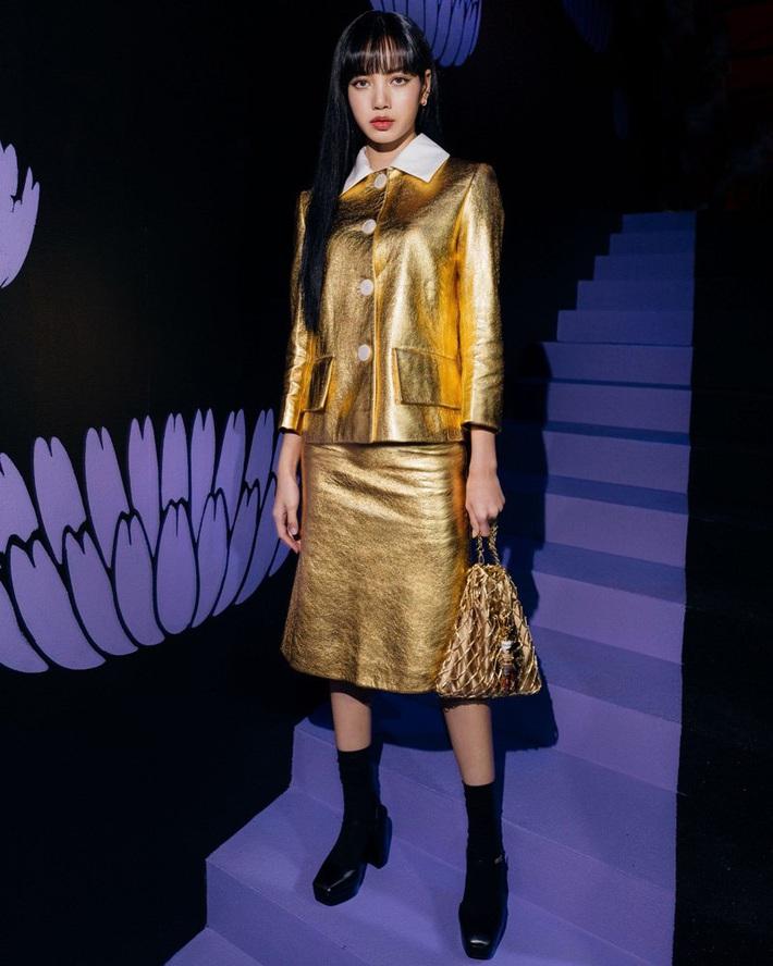 Dự đúng 1 show thời trang, Lisa vẫn là sao Á duy nhất được Harpers Bazaar Úc xướng tên trong danh sách khách mời front row chất nhất mùa này - Ảnh 1.