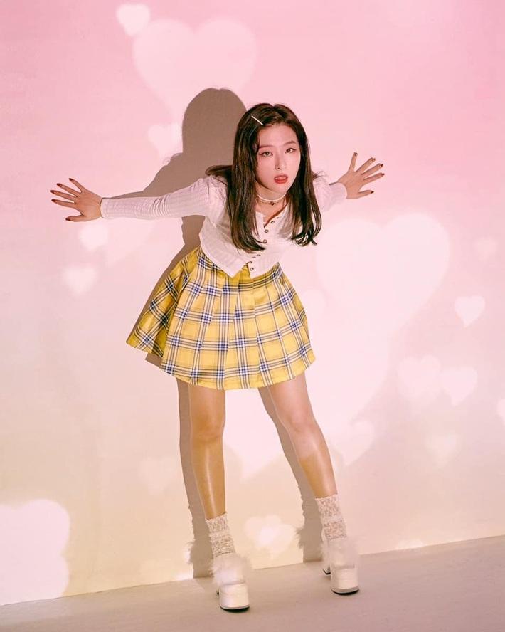 12 lần Red Velvet diện đồ đẹp giá bình dân, fan muốn bắt chước là được ngay vì món nào cũng chỉ trên dưới 1 triệu - Ảnh 7.