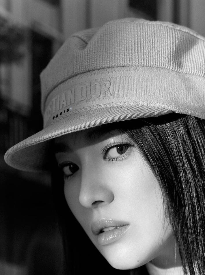 10 sao Hàn là hình mẫu PTTM của chị em: Mũi chuẩn phải như Irene và mợ chảnh Jeon Ji Hyun; mắt đẹp là giống Jennie, Yoona - Ảnh 4.