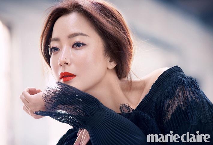10 sao Hàn là hình mẫu PTTM của chị em: Mũi chuẩn phải như Irene và mợ chảnh Jeon Ji Hyun; mắt đẹp là giống Jennie, Yoona - Ảnh 8.