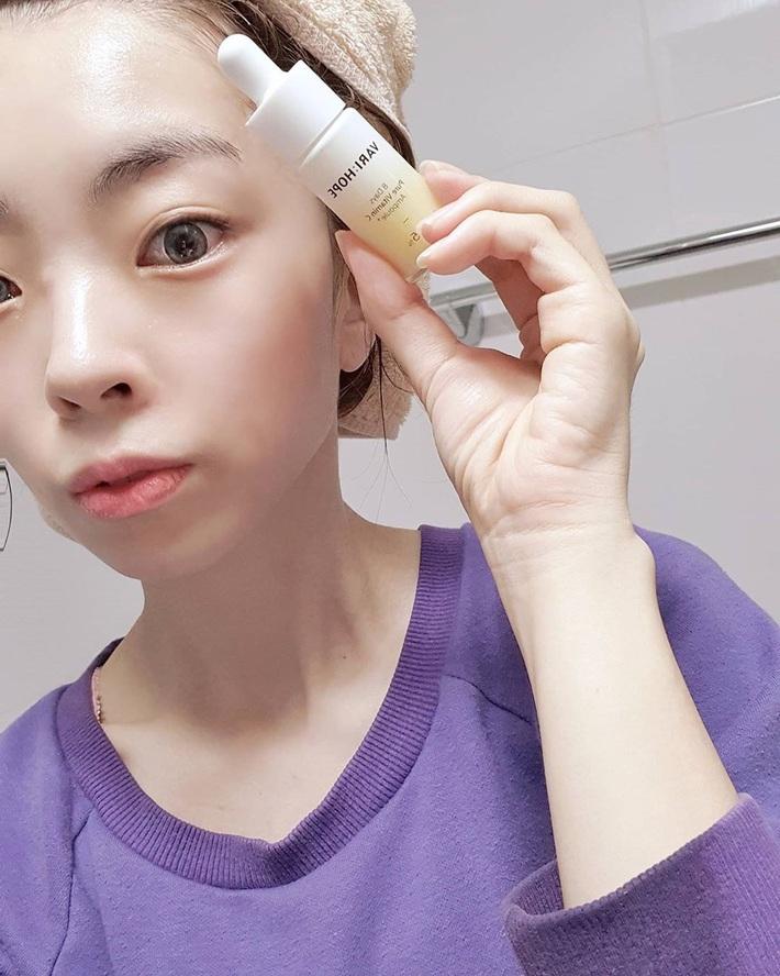 Serum vitamin C lạ hoắc của Hàn giúp làn da của cô bạn này lên tông, mờ thâm, lỗ chân lông nhỏ mịn thấy rõ chỉ sau 10 ngày - Ảnh 6.