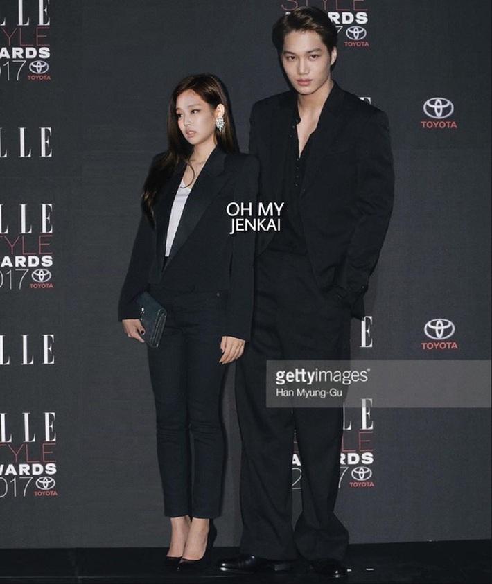 Cặp đôi thời trang phí của giời nhất đích thị là Jennie - Kai: Gái Chanel, trai Gucci chưa kịp làm bộ ảnh chung đã vội chia tay - Ảnh 11.
