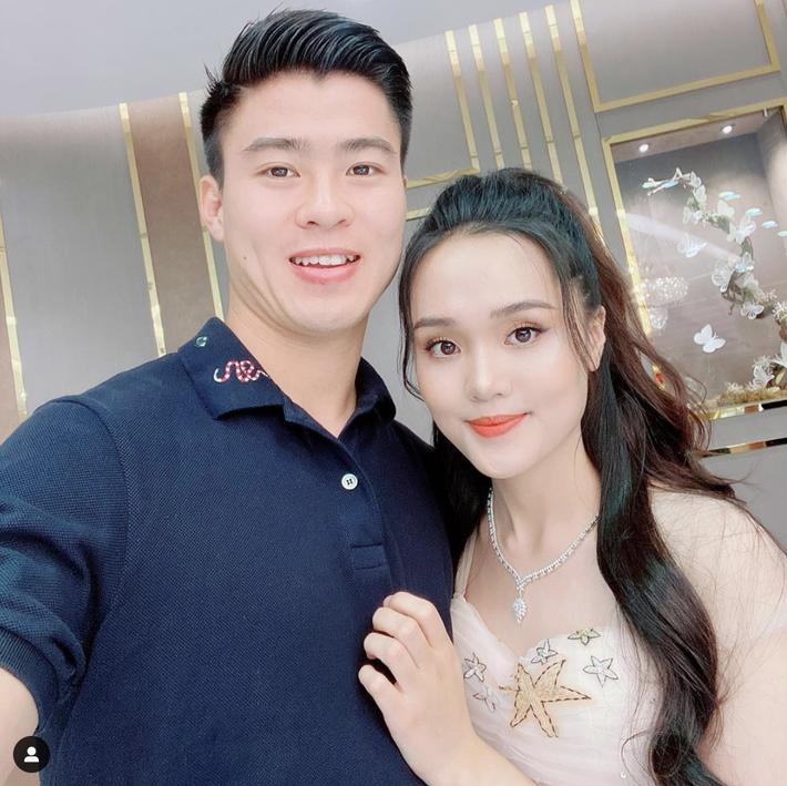 Hậu tin đồn hôn nhân lục đục, Quỳnh Anh sắm ngay túi Hermès trăm triệu, còn tag thẳng Duy Mạnh để khoe khéo - Ảnh 4.