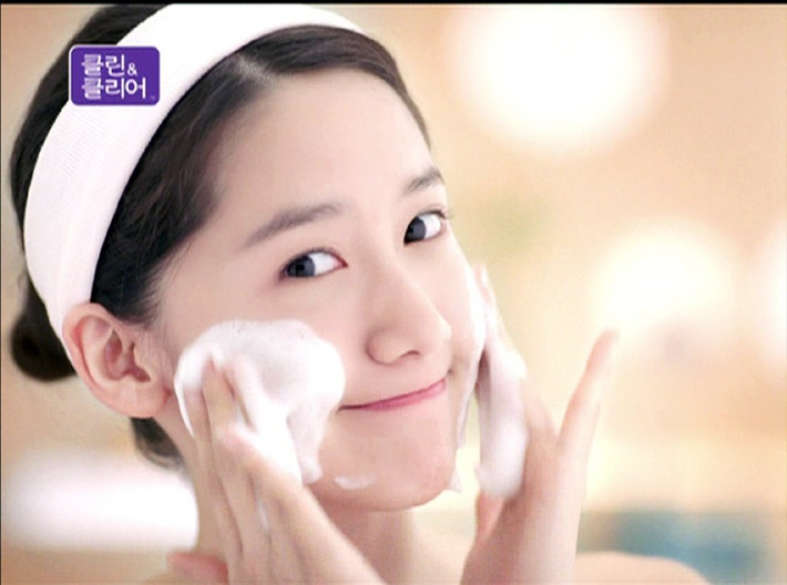 Muốn da đẹp phát hờn và chẳng mấy khi nổi mụn, bạn phải học tập cách rửa mặt xịn sò của loạt sao Hàn - Ảnh 6.