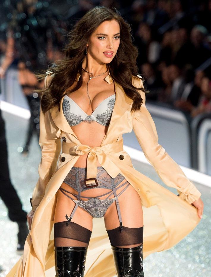 Victorias Secret đóng cửa 250 cửa hàng tại Mỹ và Canada, thỏa thuận bán mình thất bại - Ảnh 3.