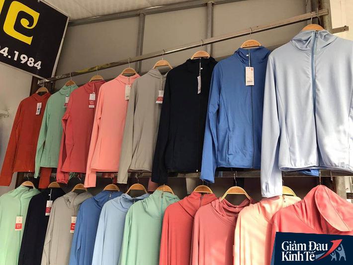 Cứu cánh nắng nóng 40 độ, khách hàng vung tiền triệu mua áo chống nắng làm từ bã cà phê  - Ảnh 3.