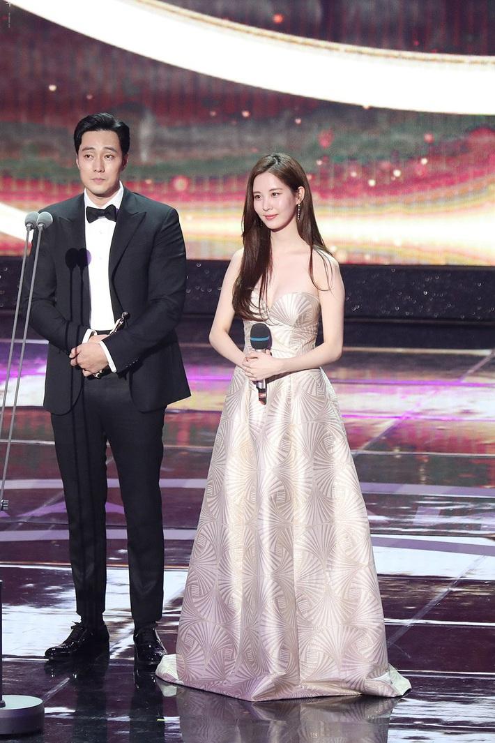 2 năm trôi qua, tiên cá Seohyun với bộ váy vỏ sò hở ngọt vẫn khiến thiên hạ ná thở, chứng minh không cần SM vẫn sống tốt! - Ảnh 2.