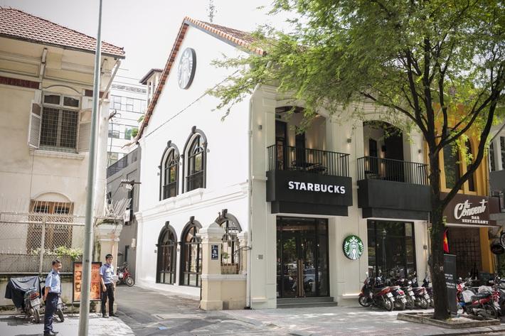 Liên tục nhiều khách hàng phản ánh mất đồ tại Starbucks Hàn Thuyên, giám đốc truyền thông lên tiếng: Cửa hàng không làm gì được cả - Ảnh 2.