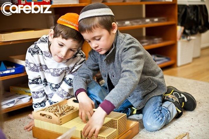 Từ chuyện dạy con tự tin giao tiếp trên xe của bà mẹ Do Thái, tu nghiệp sinh Israel kết luận: Muốn con thành công, nhất định phải rèn cho trẻ tính tự lập  - Ảnh 2.