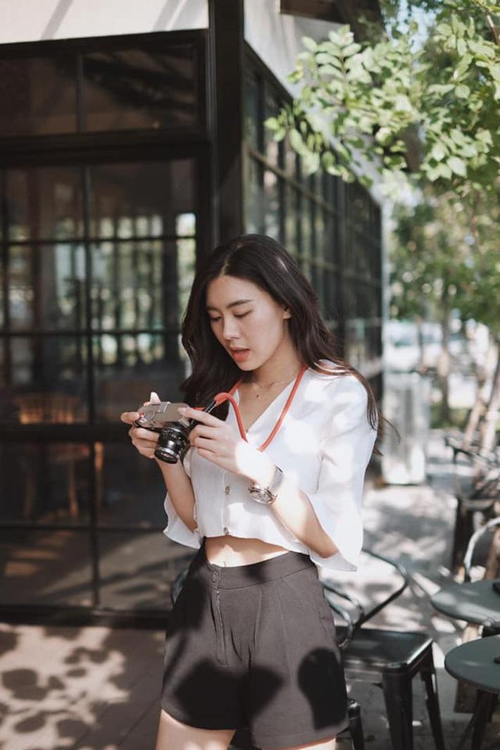 Cô bạn thân của Lisa ở Thái Lan: Nhan sắc đẹp chẳng kém idol, style đơn giản mà vẫn sexy hết nút - Ảnh 6.