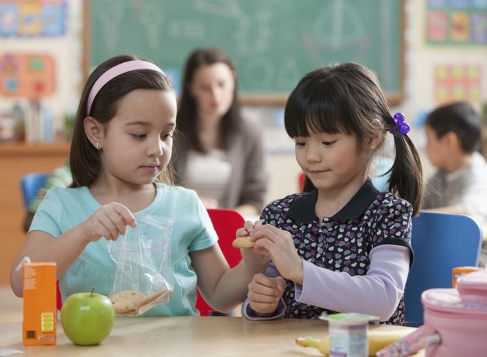 7 thói quen của trẻ có chỉ số EQ - trí thông minh cảm xúc - cao - Ảnh 2.