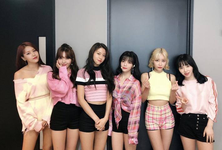 Netizen soi ra Mina bị dí trang phục và kiểu tóc chán đời nhất AOA, là bằng chứng cho thấy cô bị đối xử bất công? - Ảnh 7.