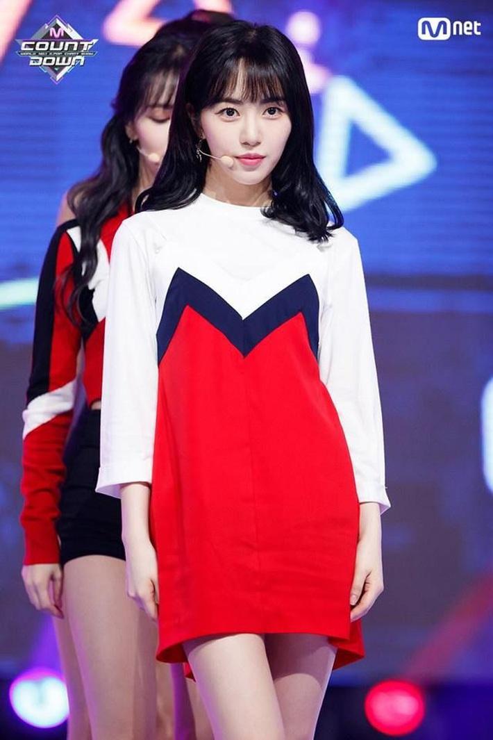 Netizen soi ra Mina bị dí trang phục và kiểu tóc chán đời nhất AOA, là bằng chứng cho thấy cô bị đối xử bất công? - Ảnh 5.
