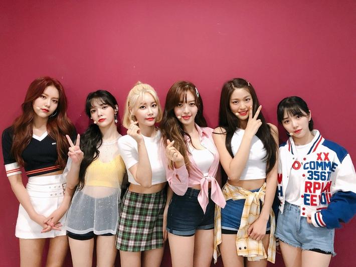 Netizen soi ra Mina bị dí trang phục và kiểu tóc chán đời nhất AOA, là bằng chứng cho thấy cô bị đối xử bất công? - Ảnh 4.