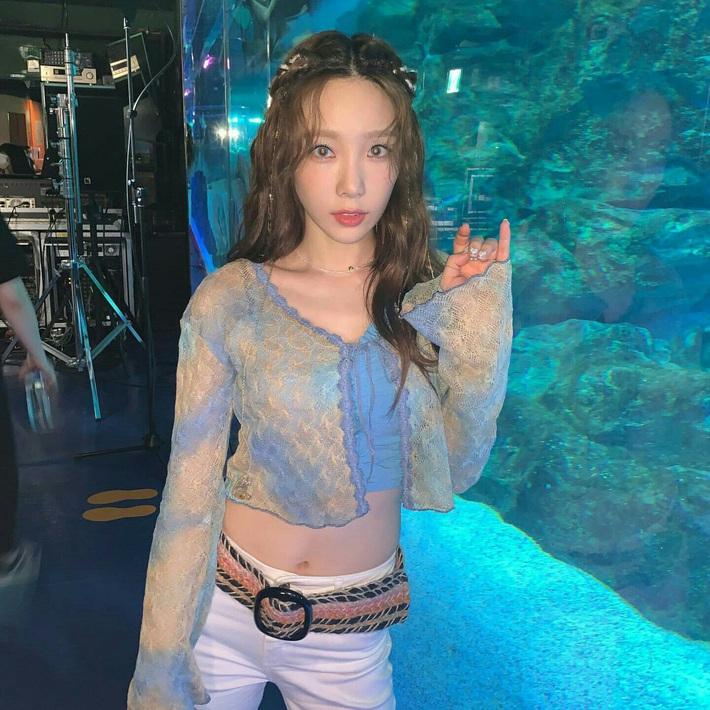 Jennie, Taeyeon đến Amee đều tích cực lăng xê cardigan buộc dây, không muốn tụt hậu thì các nàng hãy sắm ngay - Ảnh 2.