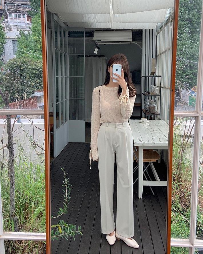 Mix quần âu ống rộng với loạt kiểu áo sau, cô gái nào cũng được khen style xinh, dáng đẹp - Ảnh 4.