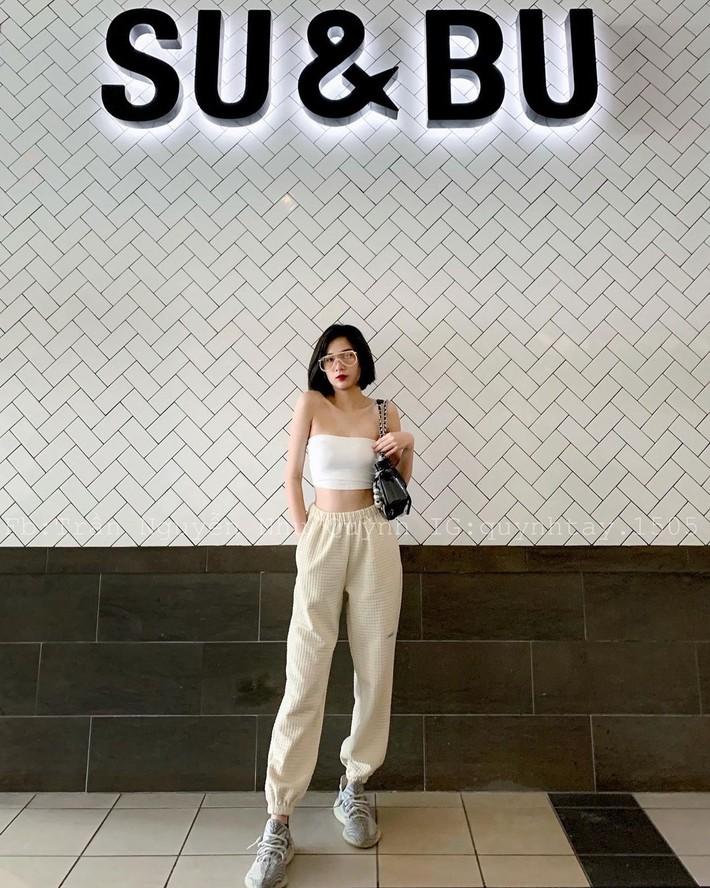 Không phải có mình Ngọc Trinh tự tin mặc bra top đi shopping, giới trẻ Việt giờ ra đường cũng sexy và táo bạo chẳng kém cạnh  - Ảnh 5.