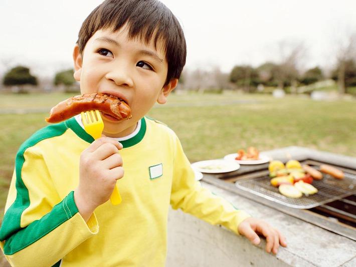 Vô tư ăn 5 loại đồ ăn vặt này, trẻ có nguy cơ dậy thì sớm - Ảnh 2.