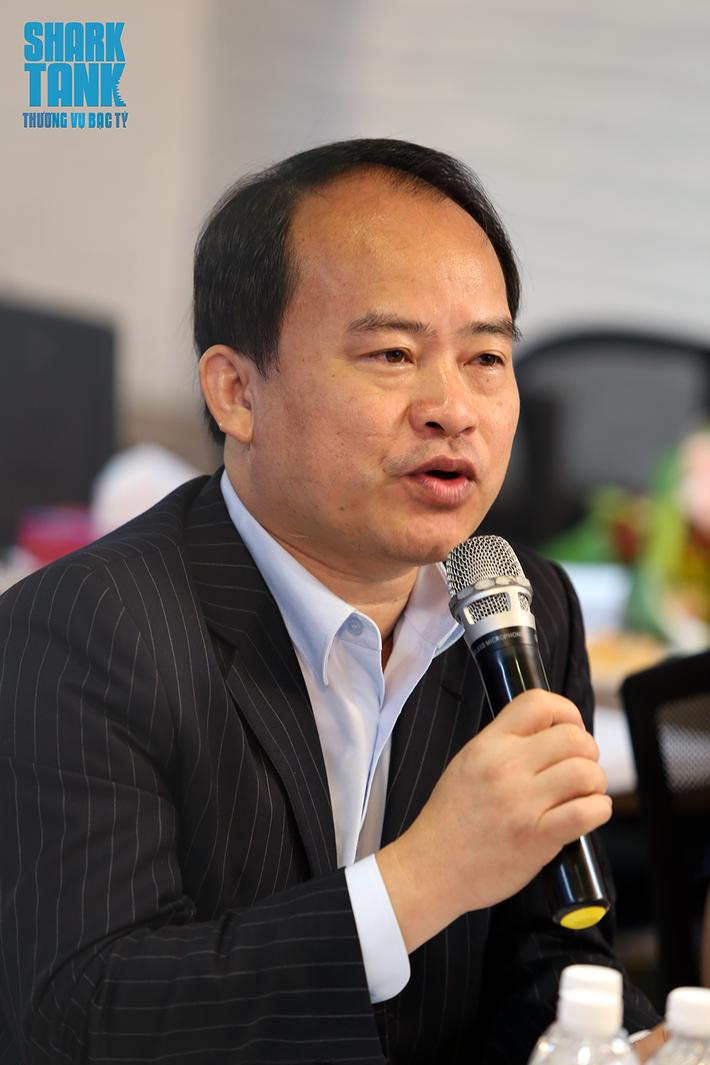 Chuyên gia Lâm Minh Chánh: Thu nhập 20 triệu đồng/tháng thì đừng mua bảo hiểm nhân thọ kiểu vung tiền! - Ảnh 1.