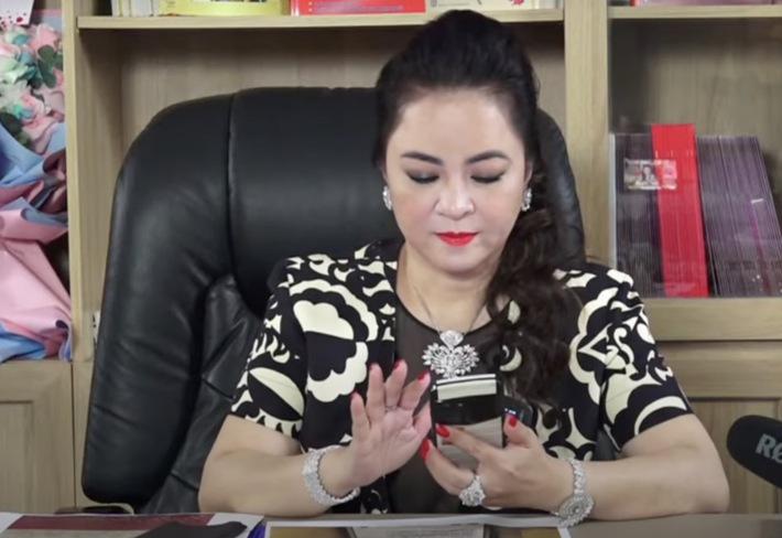 Góc soi: Những chiếc smartphone hàng khủng được bà Nguyễn Phương Hằng sử dụng - Ảnh 8.