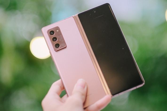 Góc soi: Những chiếc smartphone hàng khủng được bà Nguyễn Phương Hằng sử dụng - Ảnh 5.