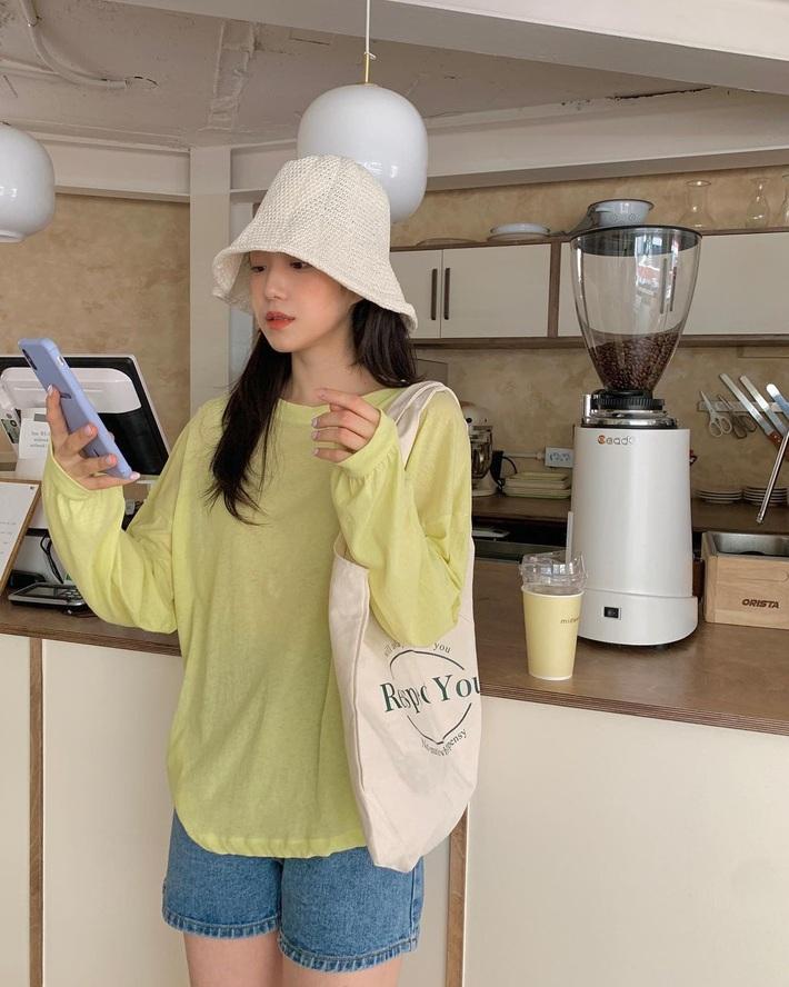 Lưu dần những gợi ý mặc đẹp từ gái Hàn để hết dịch không phải lo không có gì để mặc nữa - Ảnh 7.