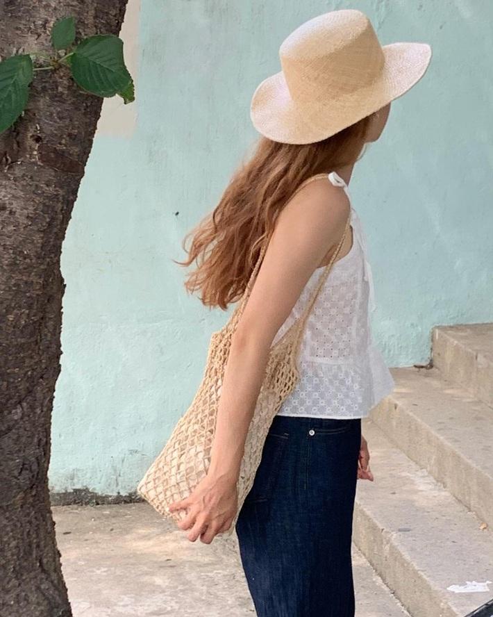 Lưu dần những gợi ý mặc đẹp từ gái Hàn để hết dịch không phải lo không có gì để mặc nữa - Ảnh 8.