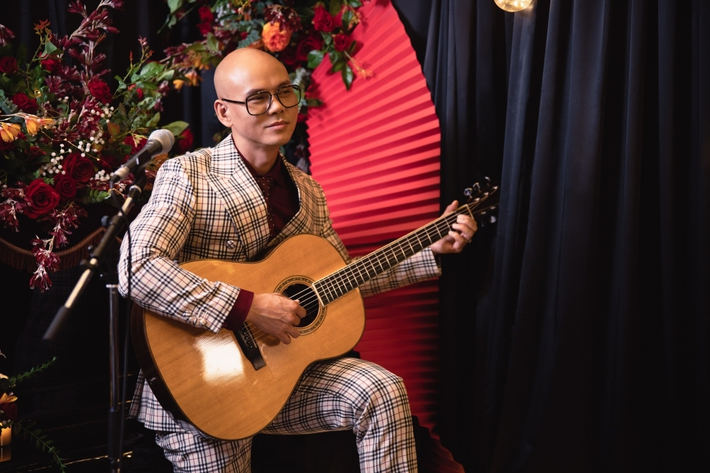 Phan Đinh Tùng khiến khán giả bất ngờ khi