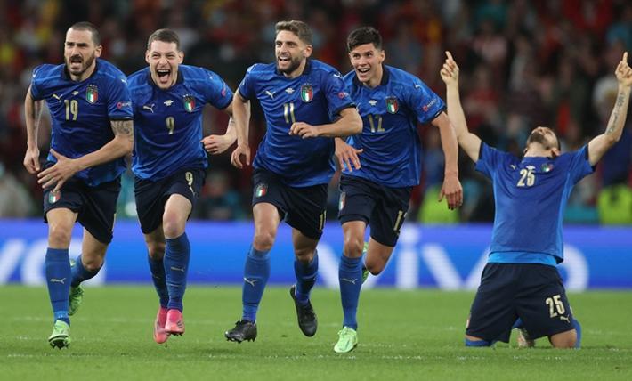 ĐT Italia giật vé vào chung kết EURO: Căng thẳng phút 120, luân lưu nghiệt ngã  - Ảnh 2.