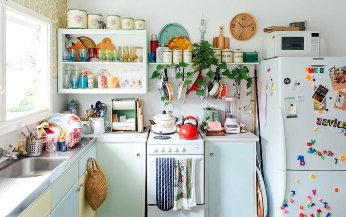 Nhà bếp lộn xộn bỗng tạo cảm giác gọn gàng, ngăn nắp chỉ trong tích tắc nhờ những mẹo này - Ảnh 1.