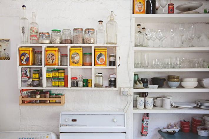 Nhà bếp lộn xộn bỗng tạo cảm giác gọn gàng, ngăn nắp chỉ trong tích tắc nhờ những mẹo này - Ảnh 7.